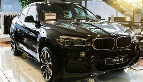 Our car experts choose every product we feature. 2020 BMW X6 Exterior, Interior, Redesign, Price | Latest Car Reviews