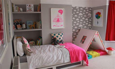 chambre stella deco pink neon une chambre de fille en fluo