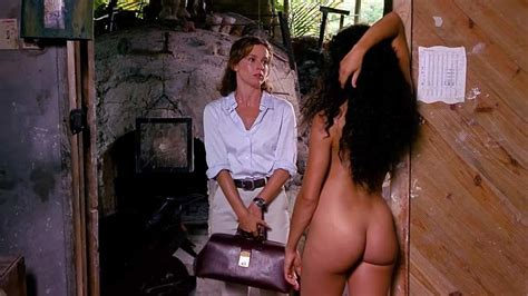Kristen Wilson And Jennifer Grey Nude On Scandalplanet Com
