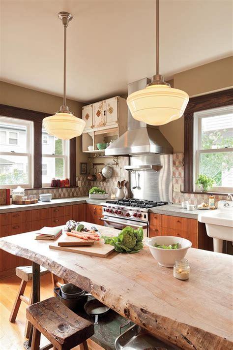 table cuisine bois brut décorez vos intérieurs avec une table rustique archzine fr