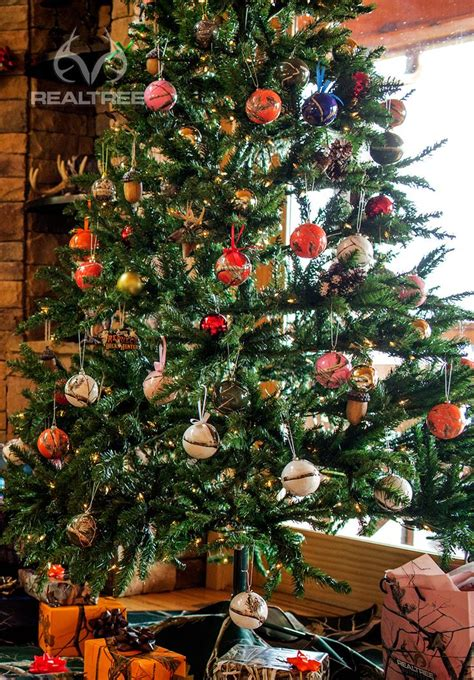 christmas tree with realtree camo ornaments reatlreecamo