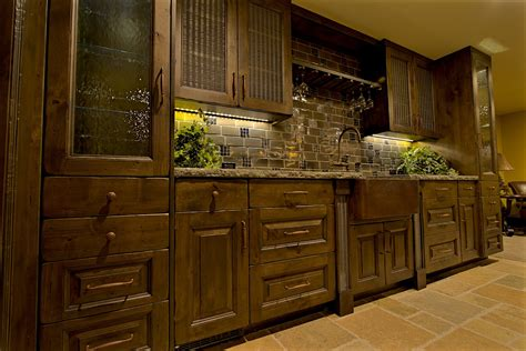 Ideas For On Top Of Kitchen Cabinets - rustic kitchens