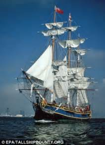 Hms Bounty Sinking 2012 by Skipper Of Sunk Hms Bounty Sailed Into Sandy Knowing The
