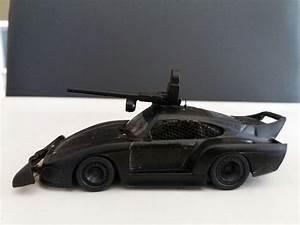Mad Max Voiture : une voiture directement sorti d 39 un film a la mad max id al pour un jeu de zombie d cor jeu ~ Medecine-chirurgie-esthetiques.com Avis de Voitures