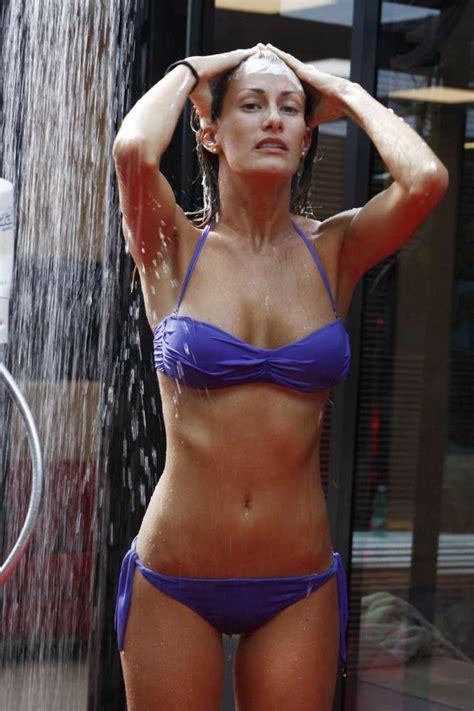 docce gf il quot grande fratello quot si fa bollente ecco le docce pi 249