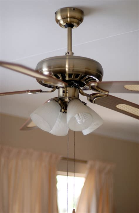 Balance Wobbly Ceiling Fan by Diy Guide On How To Balance A Ceiling Fan Diy Projects