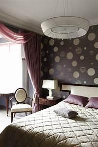 schlafzimmer dekorieren 55 ideen fur wandgestaltung co With markise balkon mit lila tapete