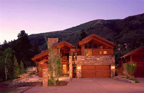 Modern-rustic Mountain Dwelling With Picturesque Setting