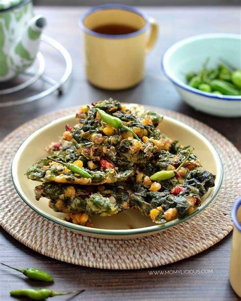 Bakwan sayur itu enak banget buat teman makan siang, apalagi dengan nasi panas. 9 Resep bakwan sayur, enak, gurih, dan mudah dibuat
