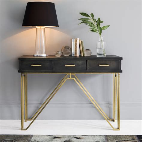 Furniture: Console Table With White Wall Design And