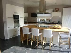 Idee relooking cuisine cuisine ouverte sur le salon avec for Idee deco cuisine avec meuble salle a manger et salon