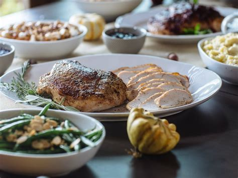 Dinner includes turkey breast with cornbread stuffing, green beans, mashed make sure to give your local store a heads up at least three days in advance. Craig\'S Thanksgiving Dinner Canned Food / How To Make An All Instant Thanksgiving Dinner Wired ...