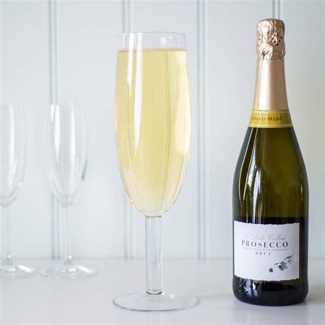 bicchieri per prosecco ecco il bicchiere della misura perfetta per contenere un