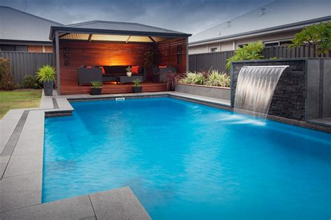 brick water feature    majestic pool  images