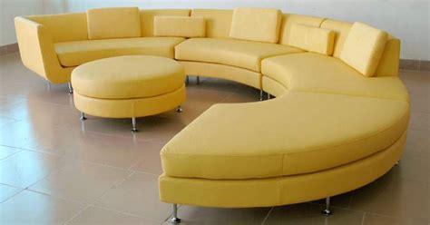 nettoyage d un canapé en cuir nettoyage de canapé en cuir entretien de canapés