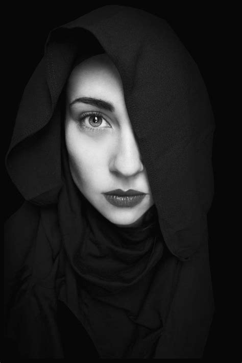 25fantastic Black And White Portrait Photography Gallery