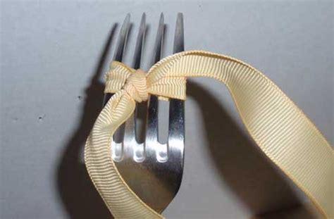 große schleife binden anleitung aufgegabelt kleine schleifen binden mit der gabel anleitung