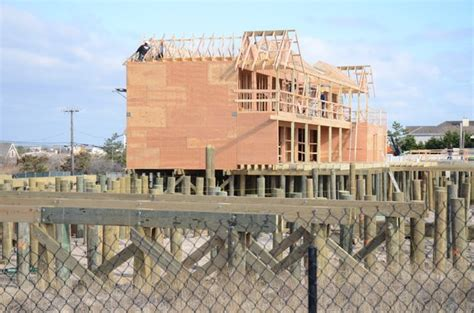 dune deck hotel westhton mild winter weather helps keeps dune deck project on track