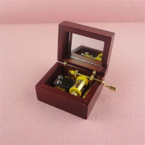 acajou poche manivelle bo 238 te 224 musique en bois bo 238 te 224 musique petit cadeau jpg