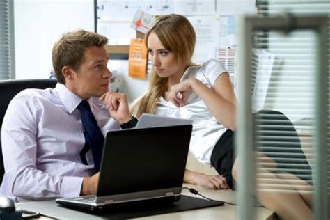 comment faire l amour au bureau les hommes fantasment plus sur le fait d 39 avoir une
