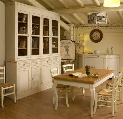 sala da pranzo provenzale realizzazione e recupero mobili in stile provenzale