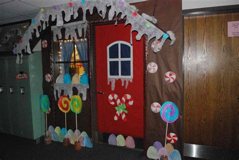 Gingerbread Door Decorations & Because The Craft Was So