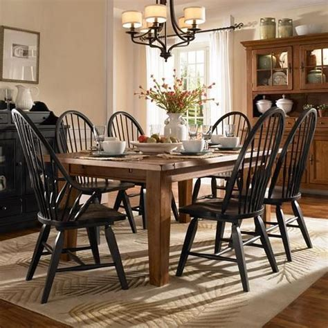 attic heirlooms 7 dining set by broyhill furniture