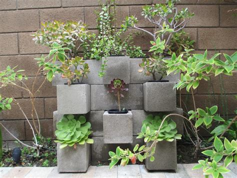 cinder block garden 15 awesome outdoor diy projects using concrete blocks