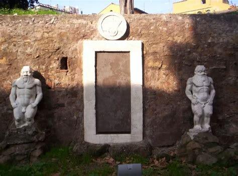 La Porta Magica Di Roma by Roam La Porta Alchemica Di Piazza Vittorio