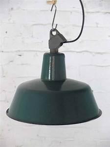 Lampe Industrial Style : vintage emaille lampe works berlin restauriert und verkauft original vintage industriedesign ~ Markanthonyermac.com Haus und Dekorationen