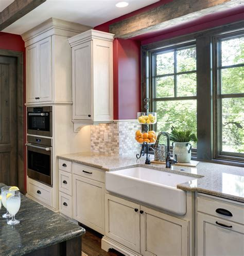 Kitchen Cabinets Biscuit Color by Traditional Lakehouse Design Ideas Home Bunch Interior