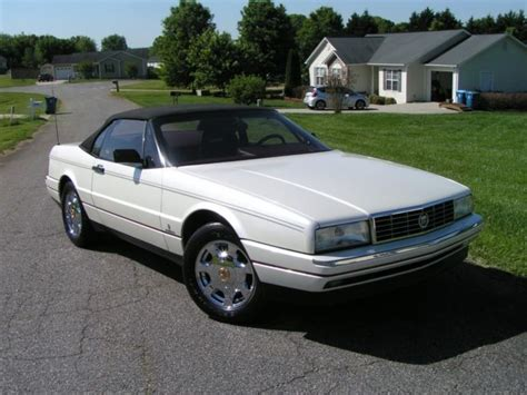 2 Seater Cadillac by 1991 91 Gm Cadillac Allante 2 Seater Convertible 19 900