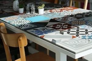 Mosaik Selber Fliesen Auf Altem Tisch : diy ikea esstisch fliesen tische und esstisch ~ Watch28wear.com Haus und Dekorationen