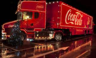 coca cola truck christmas    daily mail