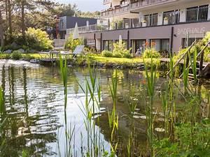 Badeteich Im Garten : badeteich mit garten ~ Markanthonyermac.com Haus und Dekorationen