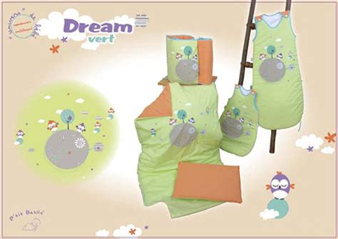 chambre bébé verte décoration chambre bébé verte thème vert