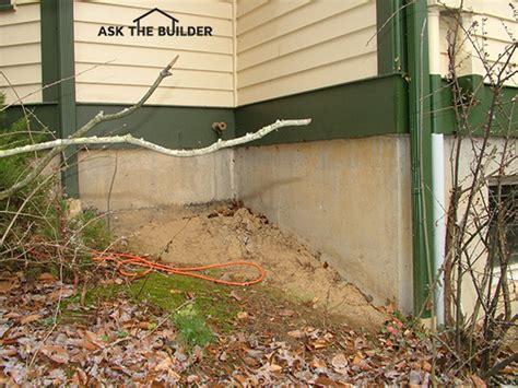thickness  poured concrete foundation   builder