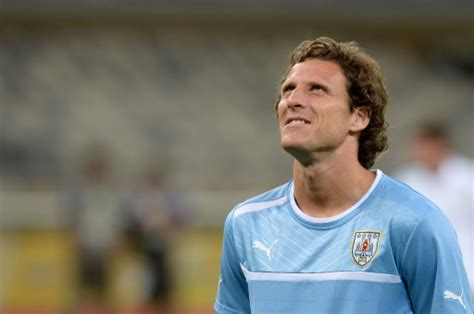 Diego Forlan leaves Brazil for Japan | eNCA