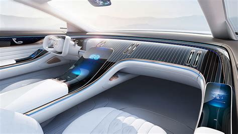 On the inside, those lights continue, with another band of ambient lighting that again could be used for signaling, perhaps flashing red in the direction of. Mercedes-Benz Vision EQS (prototipo) | Información general - km77.com