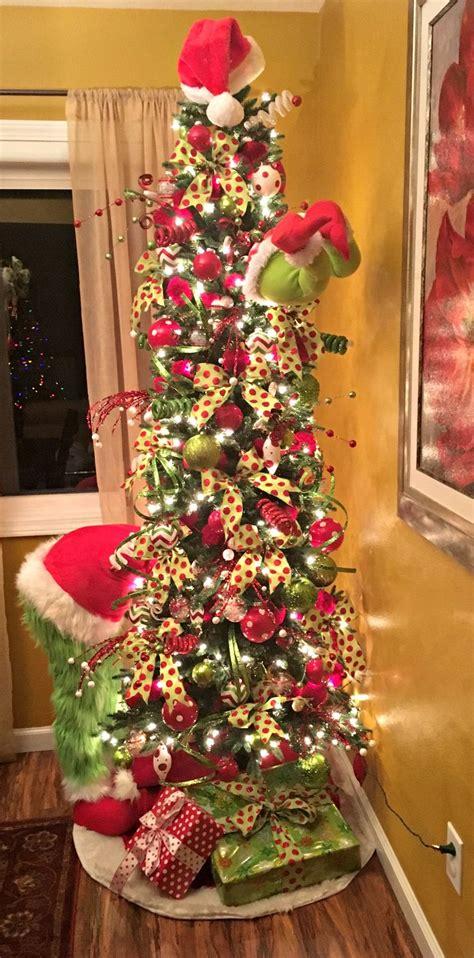 grinch christmas tree ideas  pinterest grinch