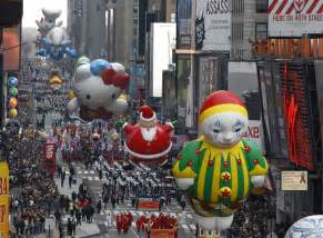 macy s thanksgiving day parade 2014 route map start time and where to live
