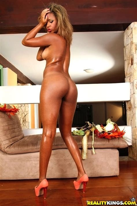 Beautiful Tanned Blonde Is Ready For Sex MILF Fox