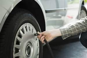 Le Système Abs Est Obligatoire Sur Les Véhicules Neufs : vos pneus sont ils bien gonfl s gare ce que dit votre voiture rep rages web ~ Maxctalentgroup.com Avis de Voitures