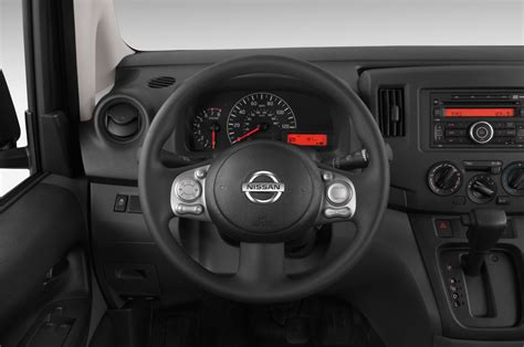 2015 Nissan NV200 Reviews and Rating | Motor Trend