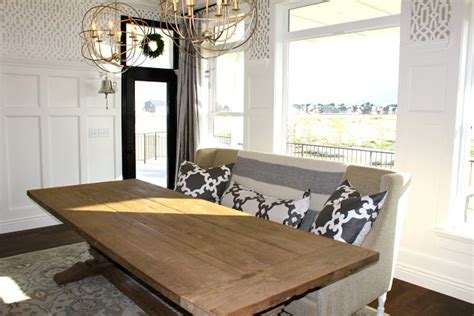 Settee In Dining Room by S Casablanca Dining Room Settee
