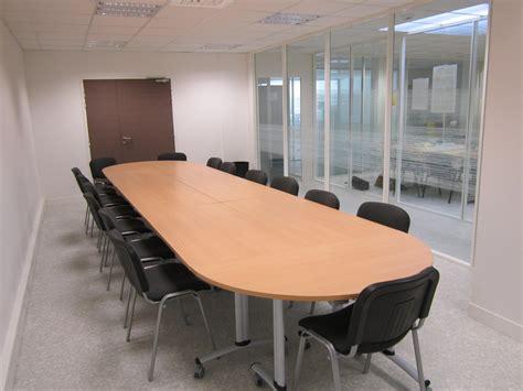 location bureau à l heure salle de réunion du centre d 39 affaires