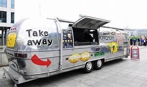 Food Truck Occasion : le food truck potatomobile bauer le food truck d barque bauer vendredi red star fc ~ Gottalentnigeria.com Avis de Voitures