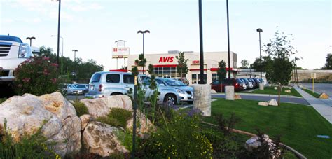 Avis Car Dealership