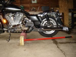 Decided it was time to make a new lift, if you would like to make one with the exact measurements just pause video and cut homemade lift motorcycle table. Homemade Motorcycle Jack - HomemadeTools.net