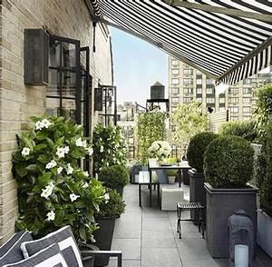 die besten 25 markise balkon ideen auf pinterest With markise balkon mit tapete streifen schwarz weiß